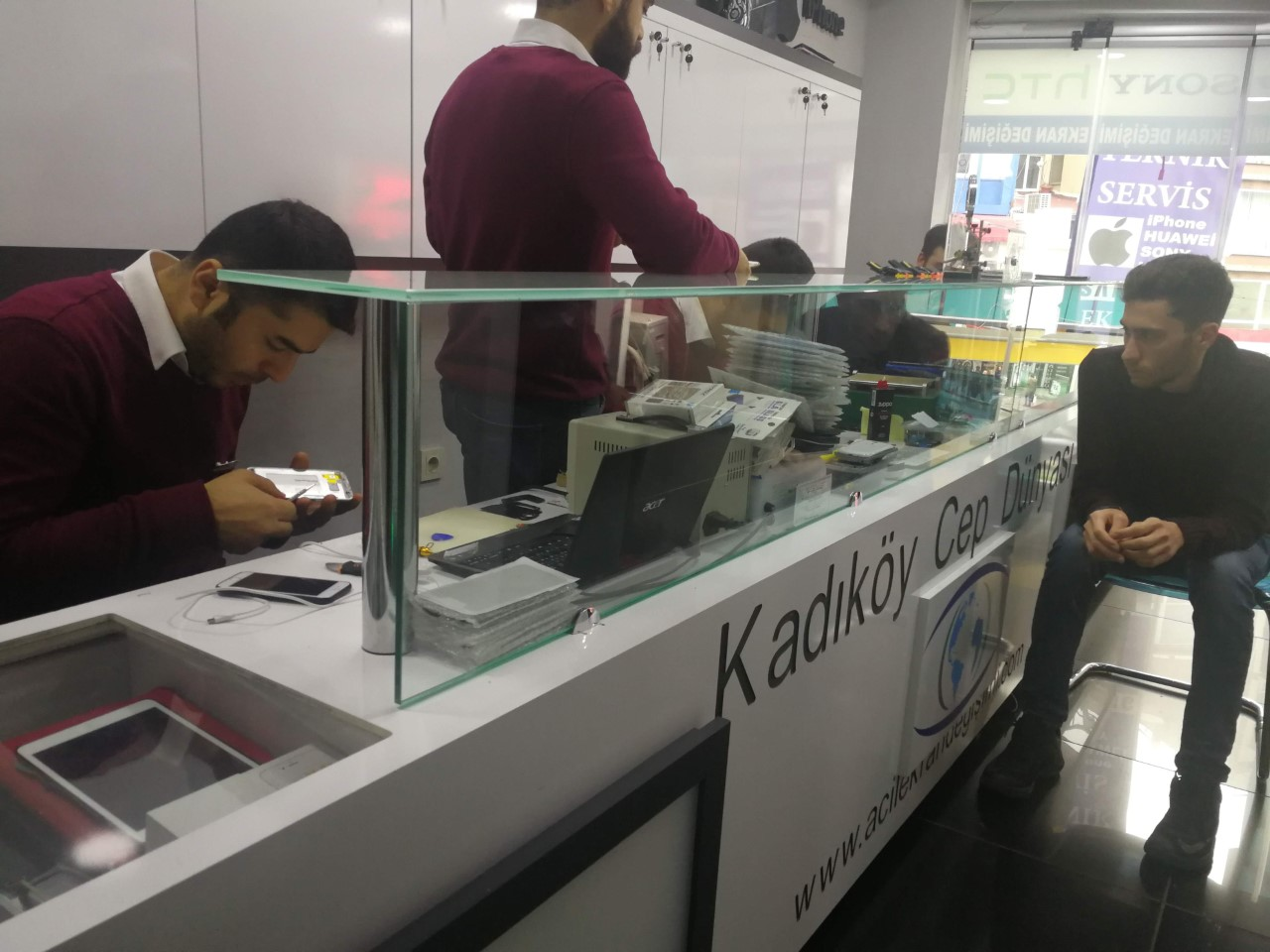 a9 pro ekran değişimi fiyatı kadıköy cep dünyası